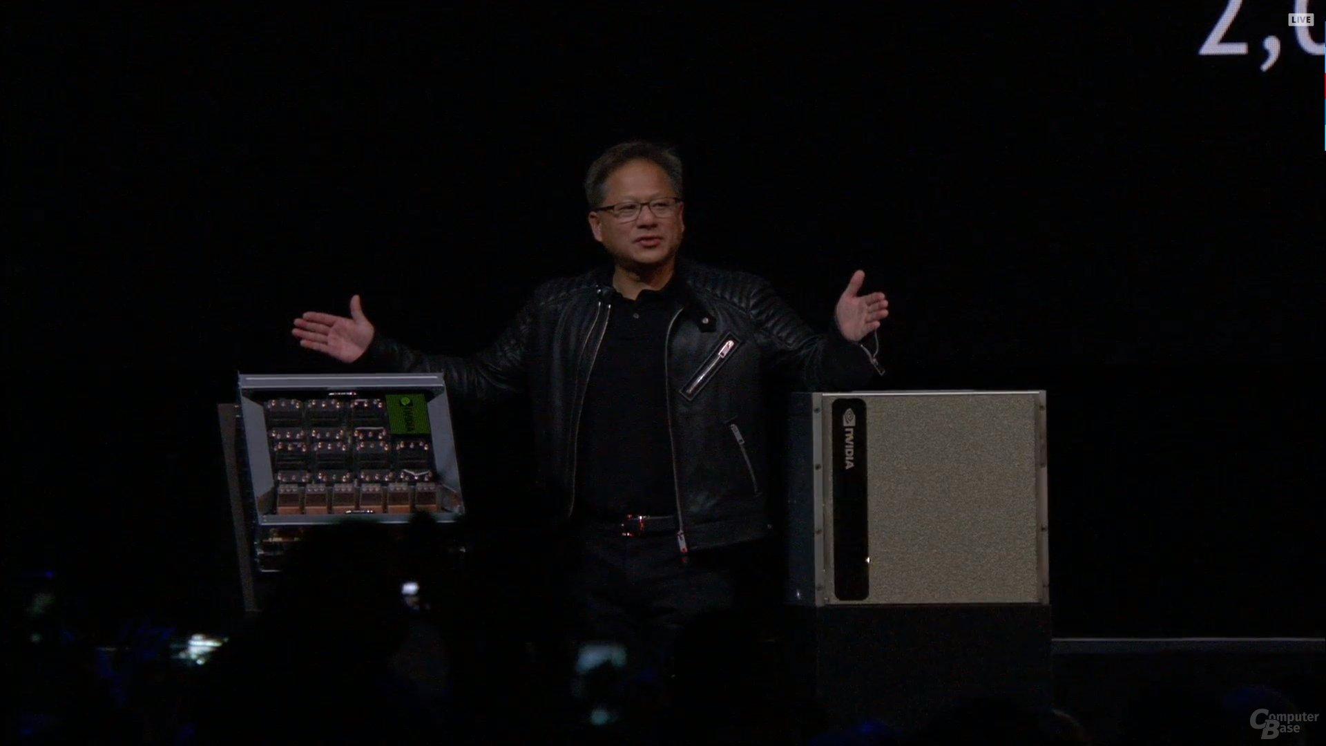 Nvidia GDX2 mit NVSwitch und 16 GV100-GPUs