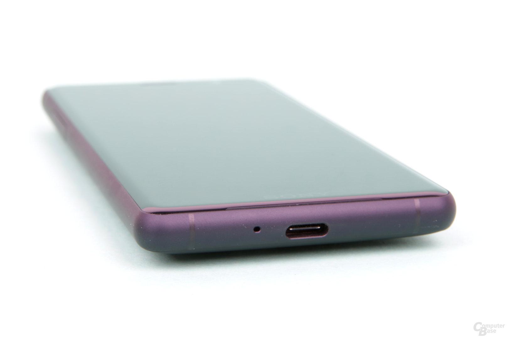 Aufgeladen wird mittels USB Typ C und bis zu 7,5 Watt