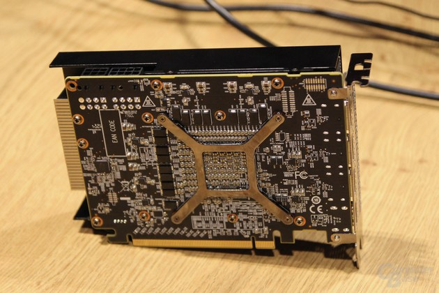 Die Radeon RX Vega Nano von PowerColor
