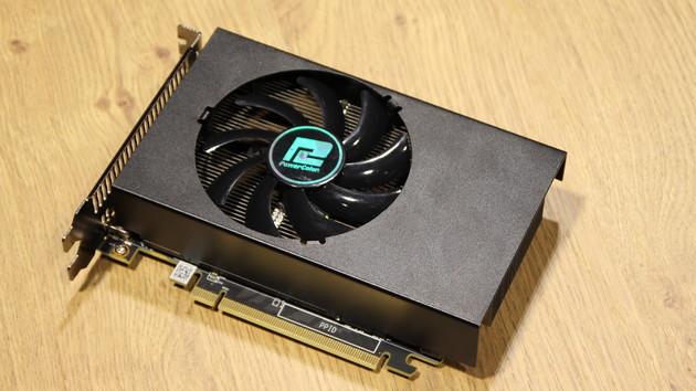 Radeon RX Vega: AMD beweist zum Start von Zen+, dass die Nano existiert