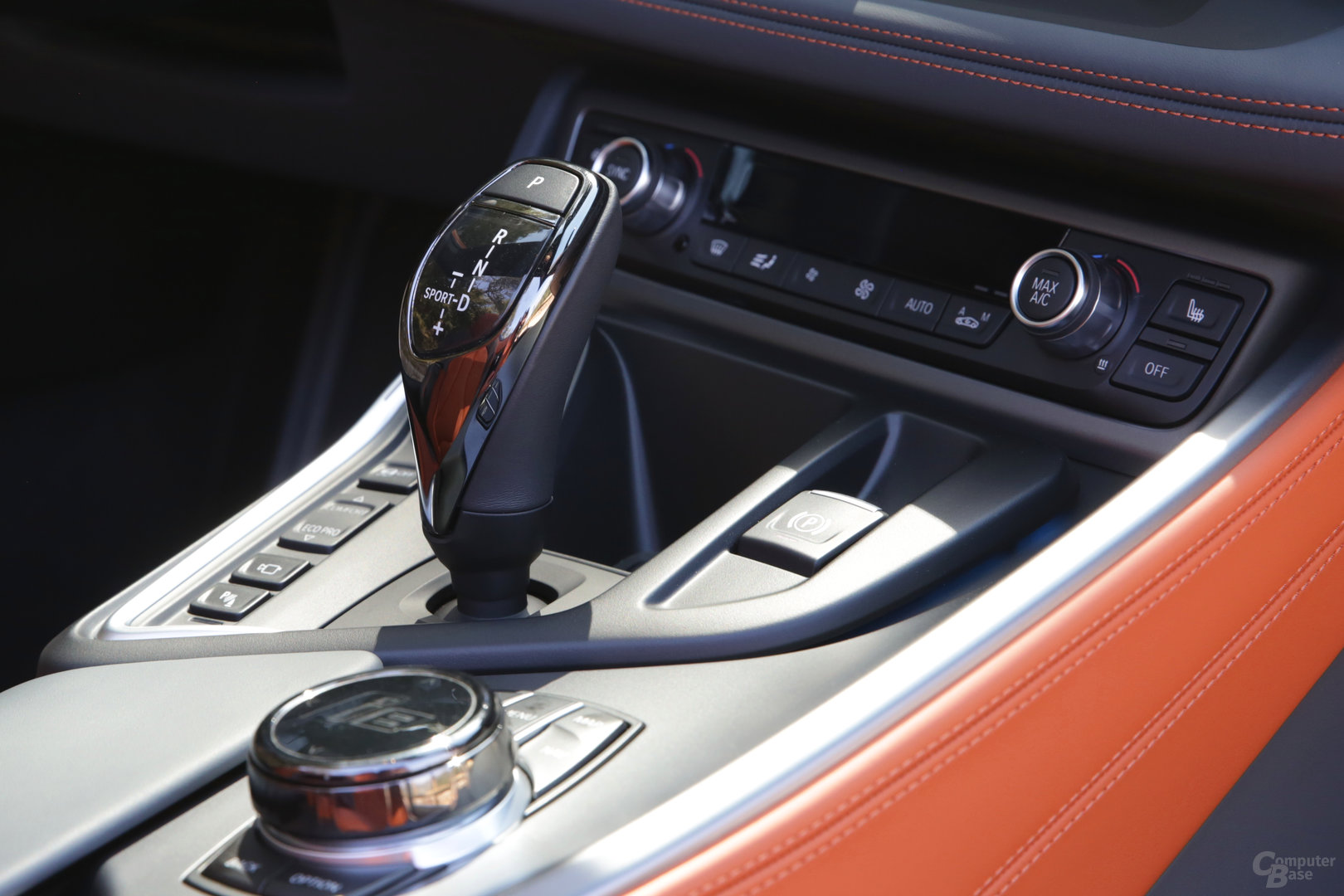 BMW i8 Roadster – Bedienelemente Mitteltunnel