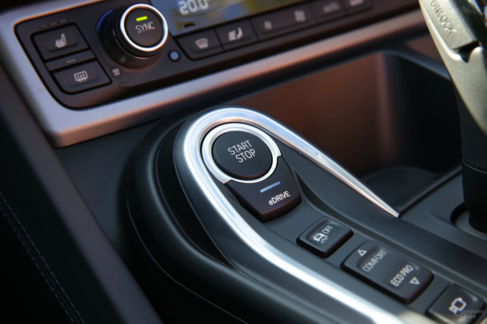 BMW i8 Roadster – Start/Stopp- und eDrive-Knopf