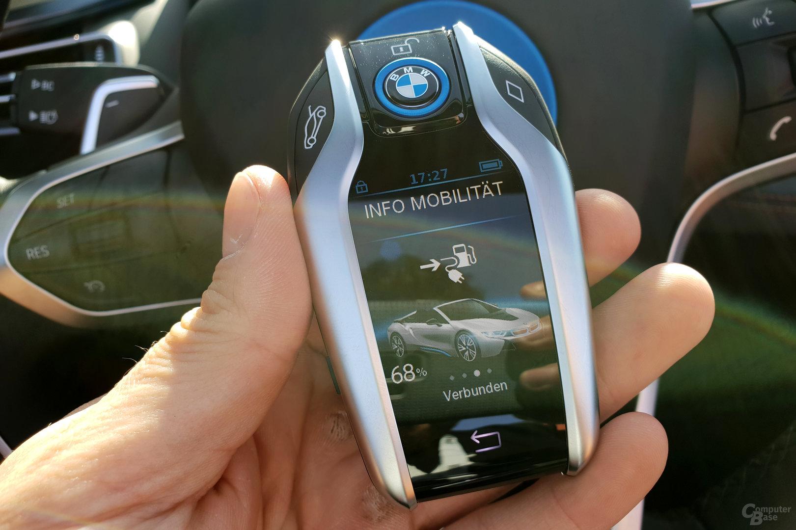 BMW i8 Roadster – Schlüssel mit Display