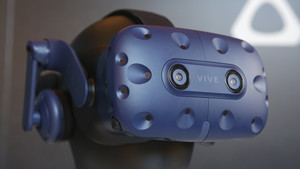HTC Vive Pro: Kit mit Tracking 2.0 für mehr Fläche kostet 1.399 Euro