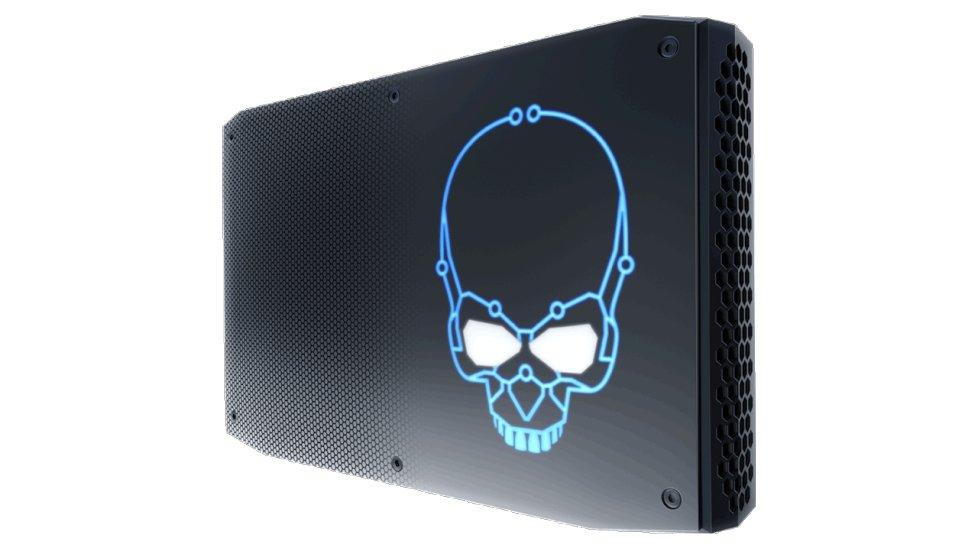 Intel NUC mit RGB-LED-Totenkopfemblem
