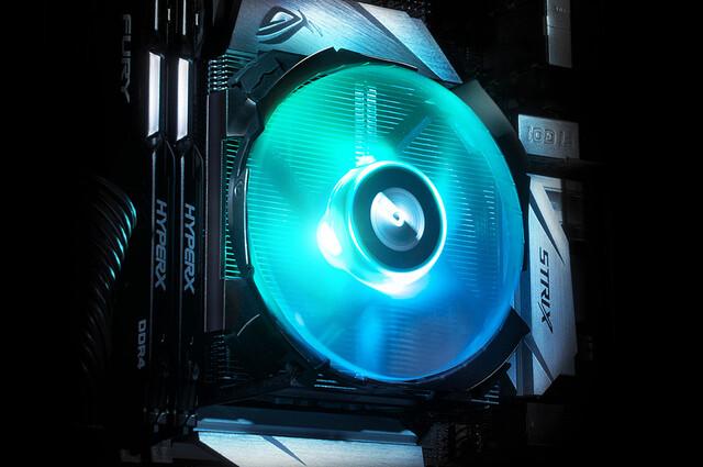Cryorig C7 RGB: Mini-Top-Blow-Kühler mit bunter Beleuchtung
