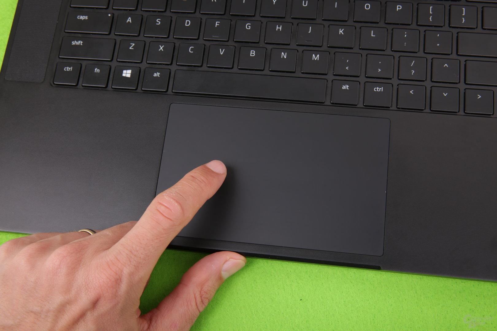 Trackpad und Tastatur sind sehr gut
