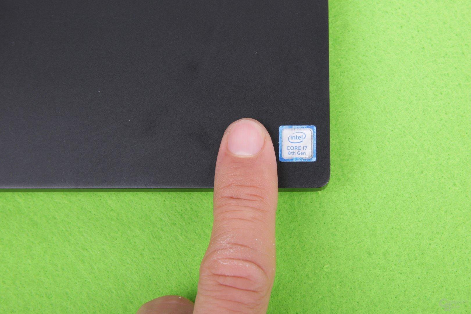 Intel-Logo ja, aber bitte nur in winzig