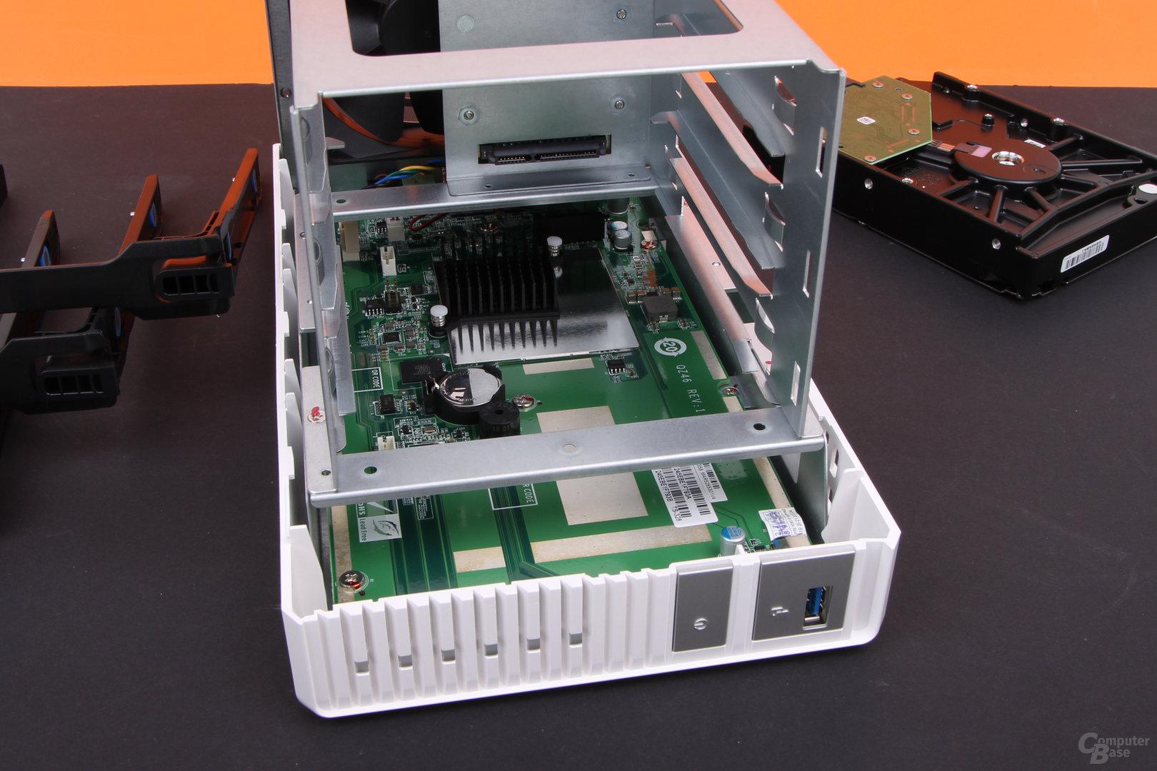 QNAP TS-328 – passiver Kühler für das SoC