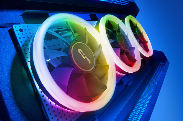 Cryorig Crona 120: Lüfter mit RGB-beleuchtetem Rahmen
