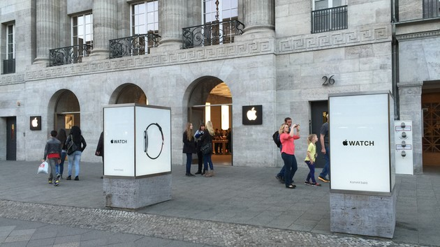 Bedingungen rechtswidrig: Verbraucherzentrale mahnt Apple wegen Schülerkursen ab