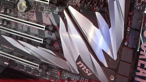 Threadripper-Mainboard: MSI MEG X399 Creation mit 7 × M.2 und großem Kühler