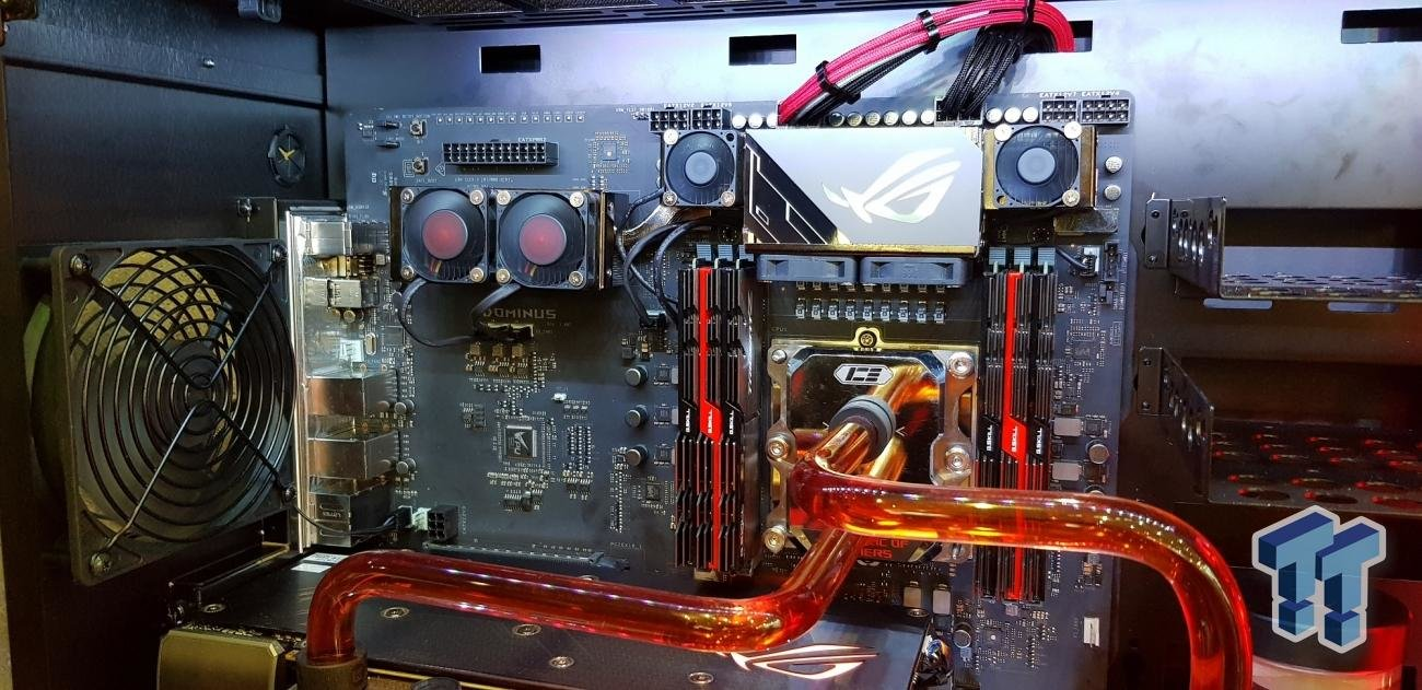 ASUS ROG Dominus mit 28-Kern-CPU und Sechs-Kanal-Speicher