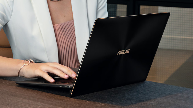 Asus ZenBook S (UX391): 1-kg-Notebook mit Quad-Core und 5,5 Grad Anstellwinkel