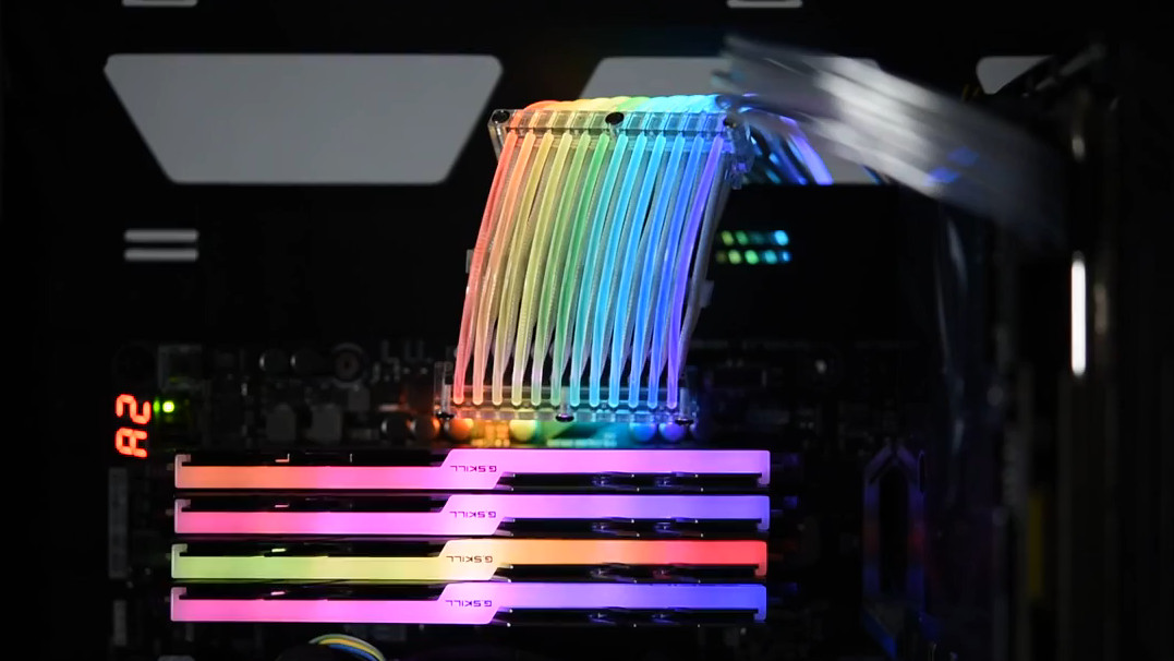 RGB-Beleuchtung: Lian Li macht das 24-Pin-ATX-Stromkabel bunt