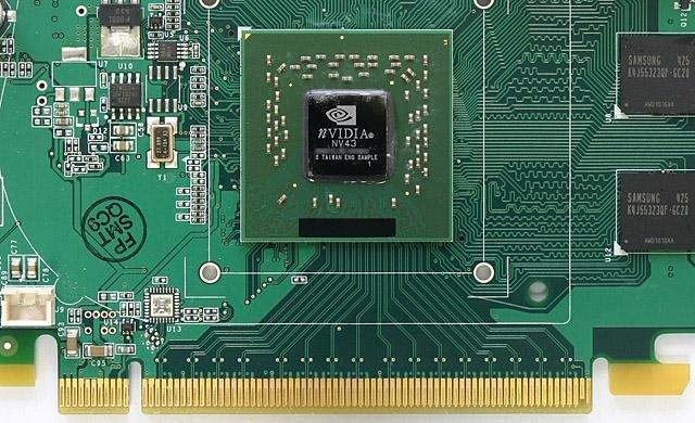 GeForce 6600 Draufsicht ohne Kühler