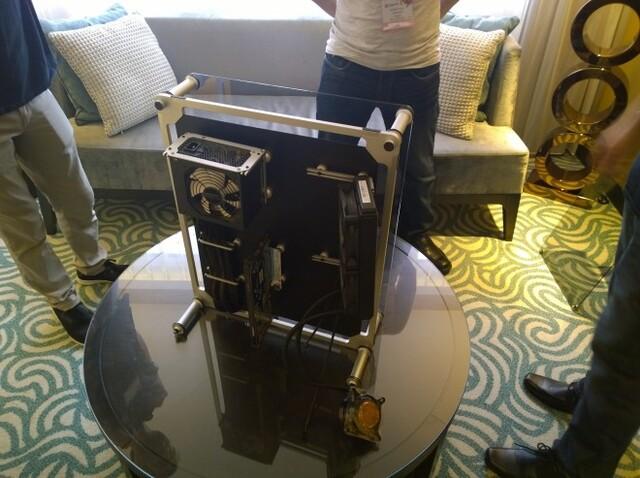 Streacom Canvas Case auf der Computex