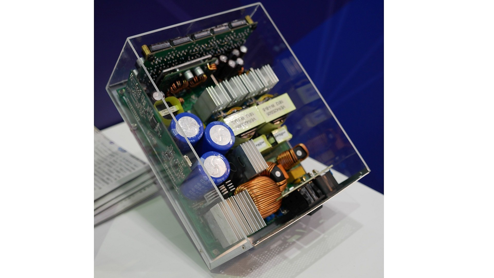 Sea Sonic Netzteil-Prototyp mit 1,6 kW PFC