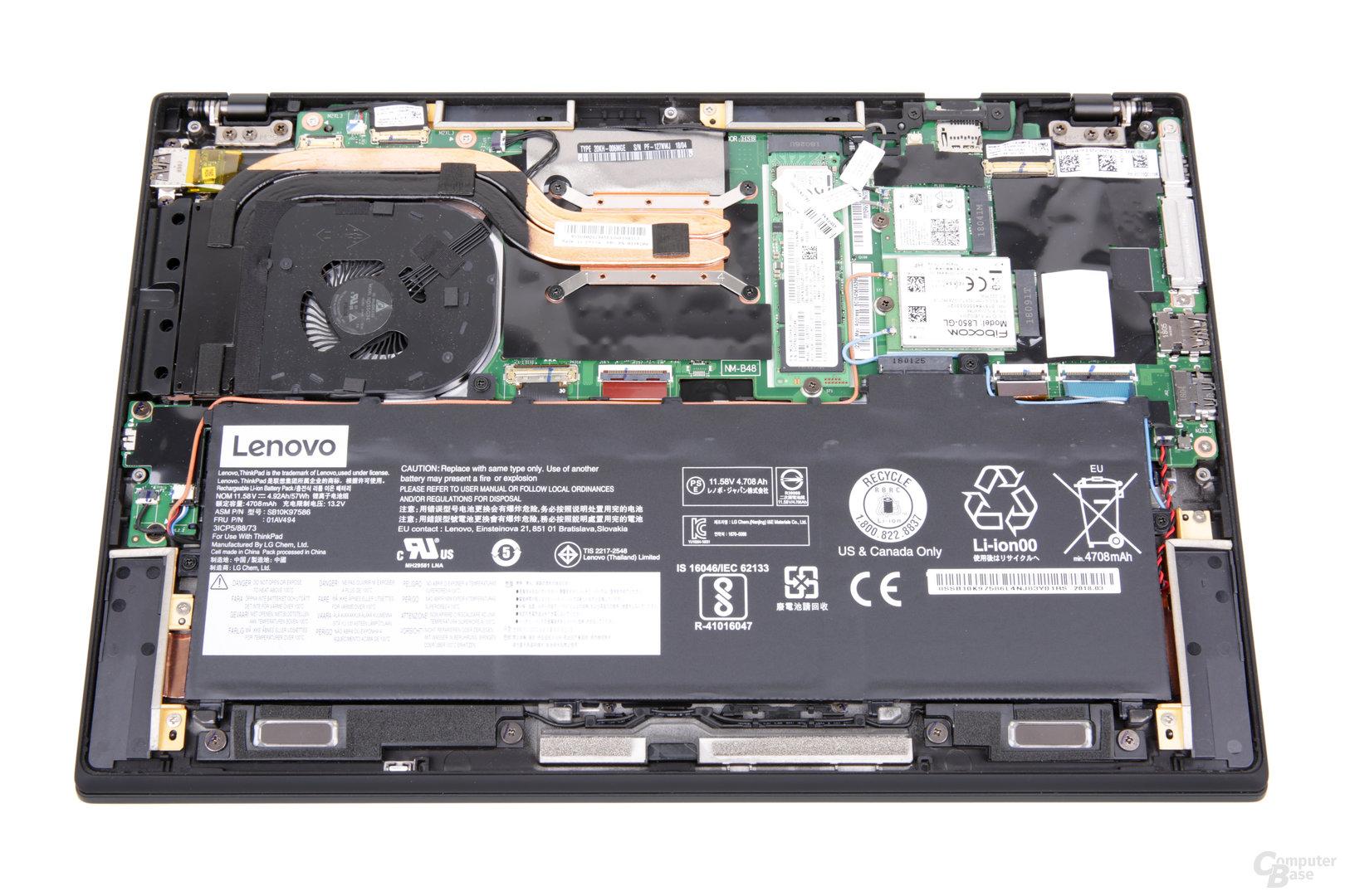 ThinkPad X1 Carbon G6 im geöffneten Zustand