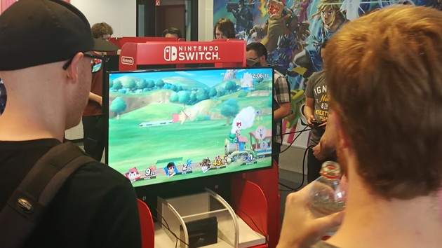 Nintendo Switch: Super Smash Bros. Ultimate, Pokémon und FIFA ausprobiert