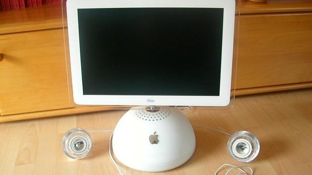 Im Test vor 15 Jahren: Apples AiO iMac G4 mit LCD und Rechner im Fuß