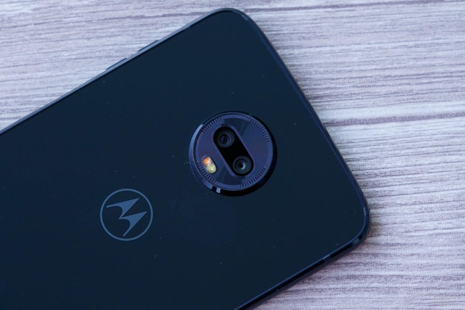 Motorola Moto Z3 Play und Nokia 7 Plus