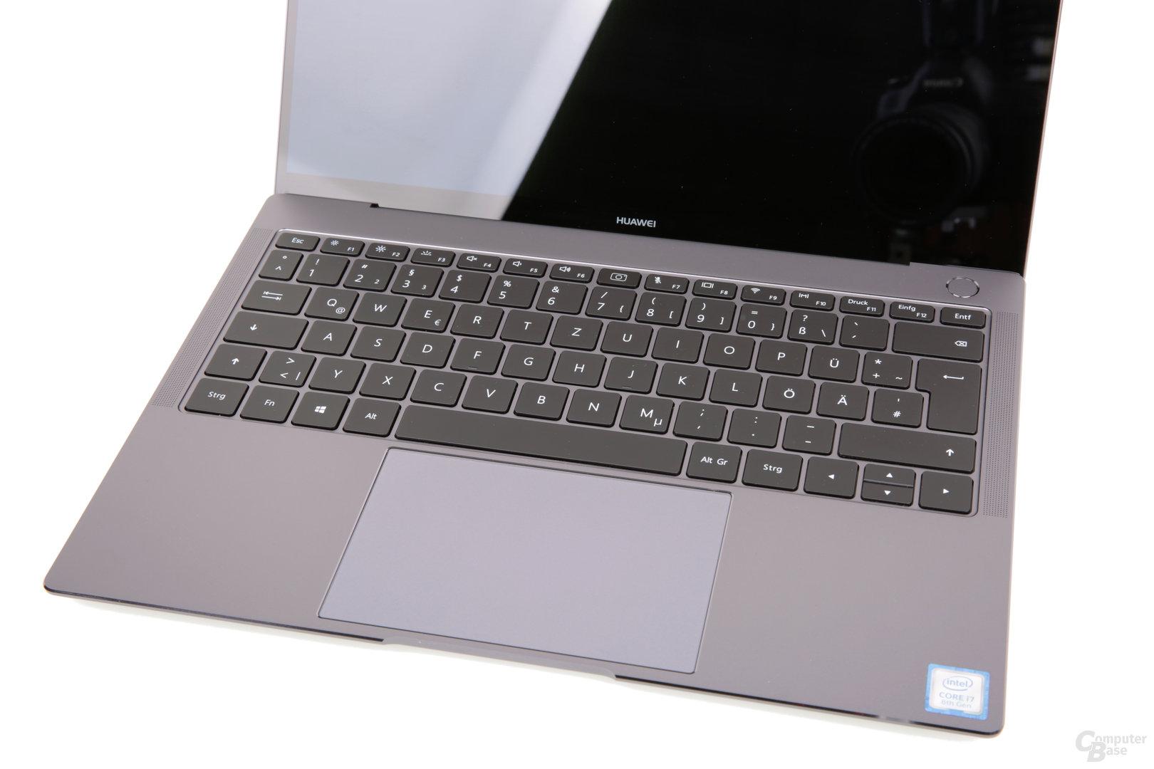 Touchpad im Verhältnis zur Tastatur