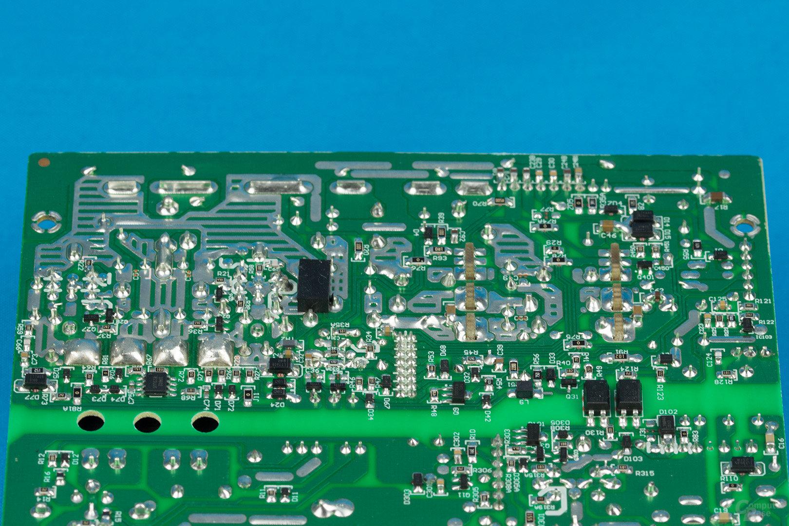 EVGA B3 550W – Lötqualität (Sekundärseite)