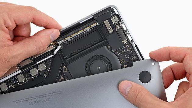 MacBook Pro 2018: Teardown findet größeren Akku, neue Tastatur und T2