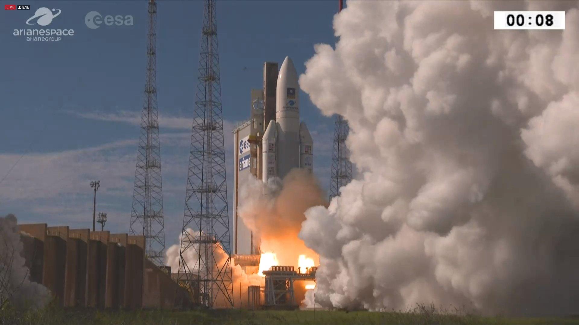Erfolgreicher Start der 99. Ariane 5