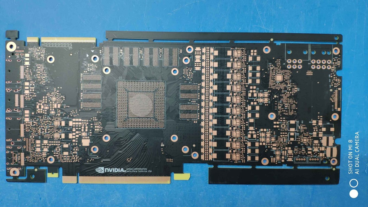 Nvidia Turing: Angebliches PCB der GeForce GTX 2080 fotografiert