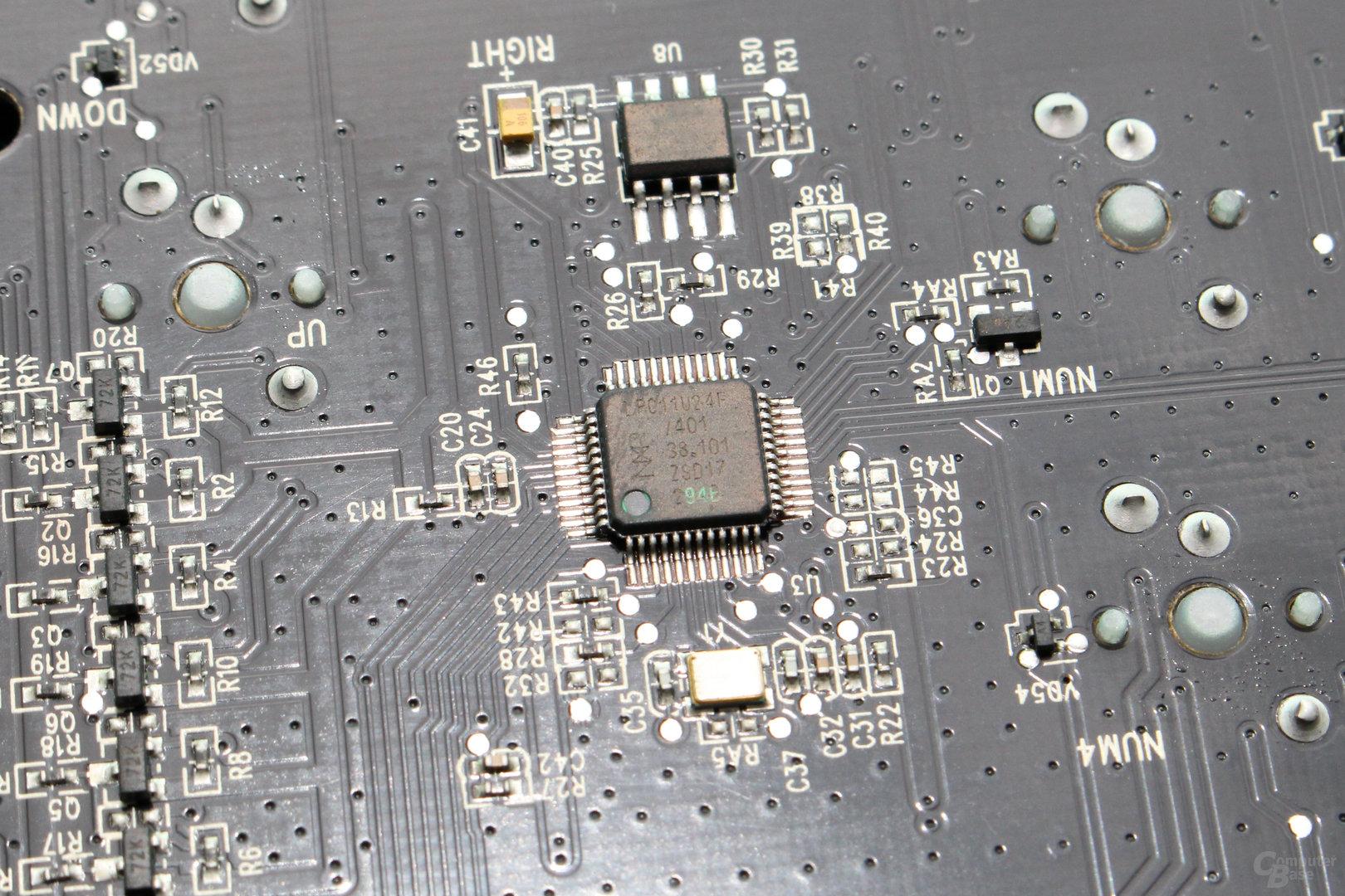 Der Mikrocontroller stammt von NXP (LPC11U24F)