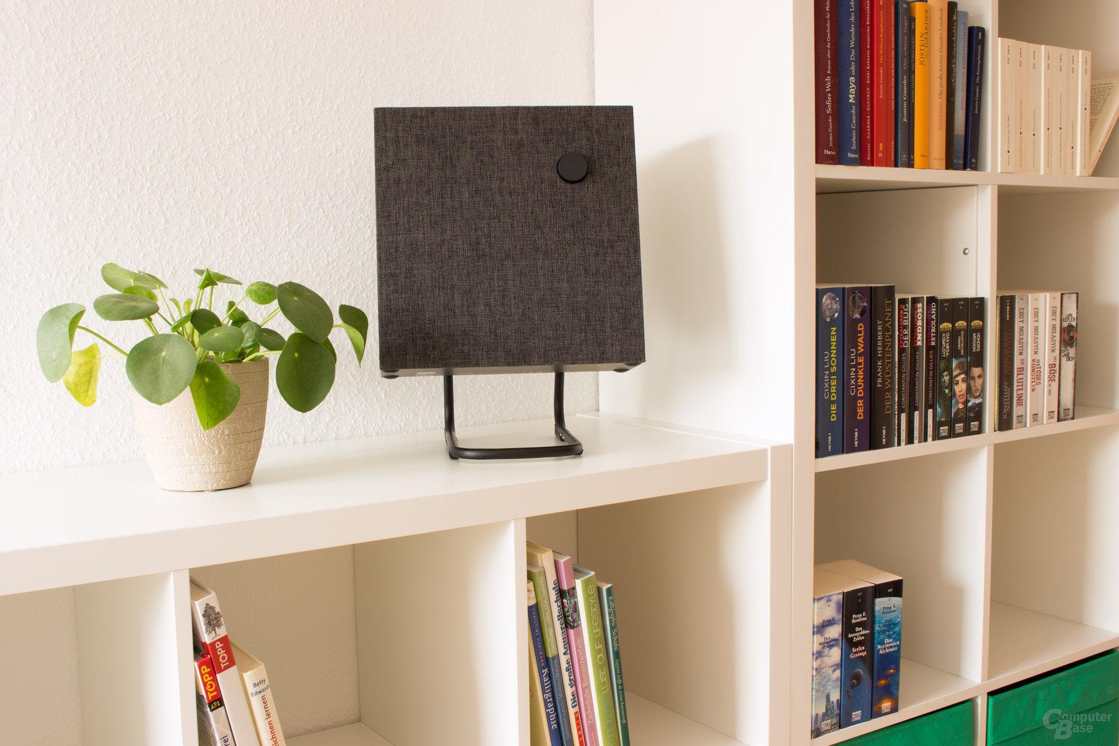 Ikea Eneby 30 auf dem optionalen Lautsprechergestell