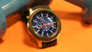 Galaxy Watch Hands-On: Tizen-Smartwatch mit 10-nm-SoC hält über drei Tage durch