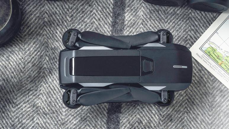 Yuneec Mantis Q: Kompakte Hosentaschen-Drohne gehorcht aufs Wort