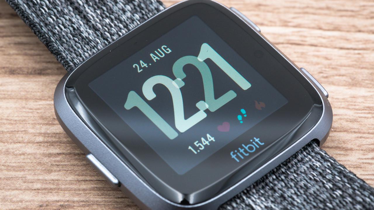 Fitbit Versa im Test: Laufzeit und Anzeige dieser Smartwatch begeistern