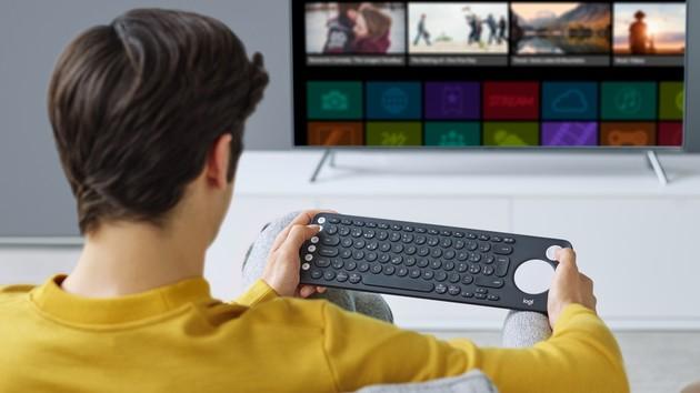 Logitech K600: Eine schmale Tastatur mit Touchpad für Smart TVs