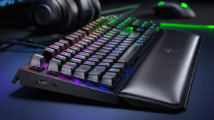 Razer Blackwidow Elite: Mechanische Tastatur mit Medientasten und RGB
