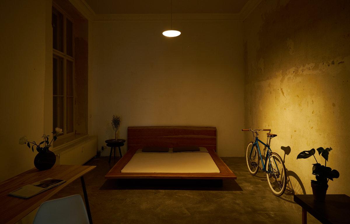 Model F – Directional Warm Light