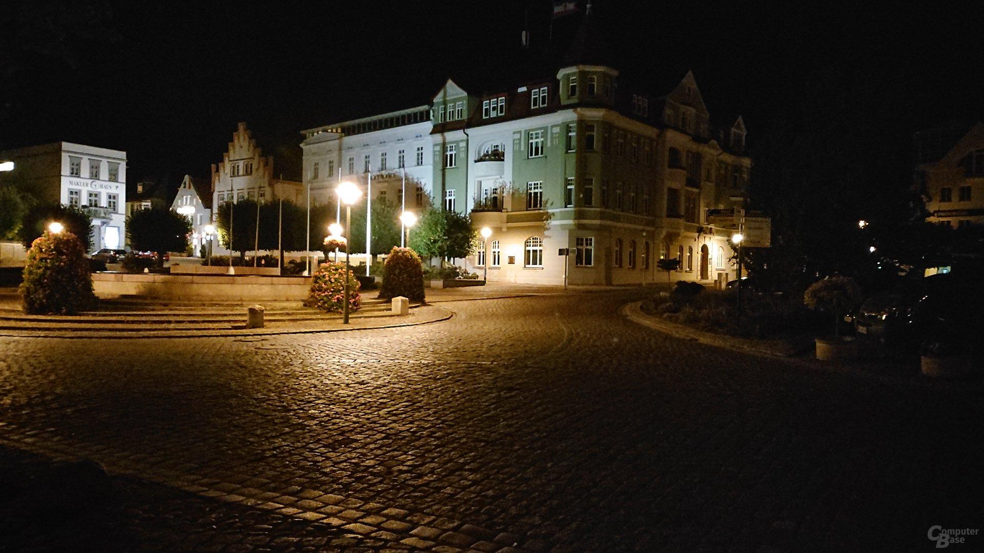 Nachtaufnahme, Duallinse, ISO 12800