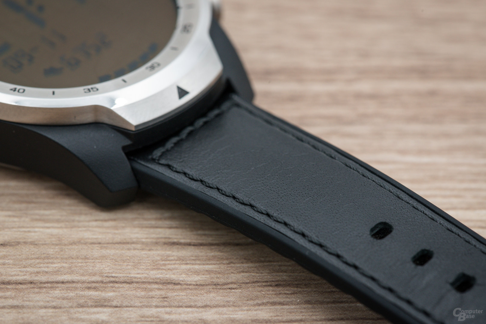 Mobvoi TicWatch Pro: Armband im Detail