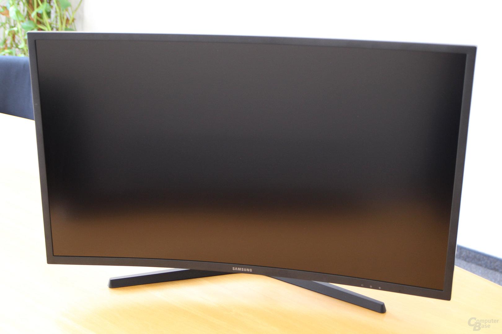 Samsung C32HG70 – Tiefste Position