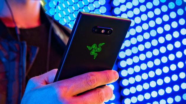 Razer Phone 2: Generalüberholtes Gaming-Smartphone mit RGB-LED