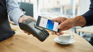 Bezahlen mit dem Smartphone: Google Pay lässt sich jetzt auch mit PayPal nutzen