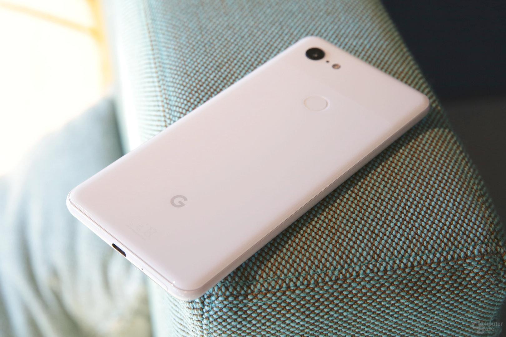 Dezentes Google-Logo auf der Rückseite