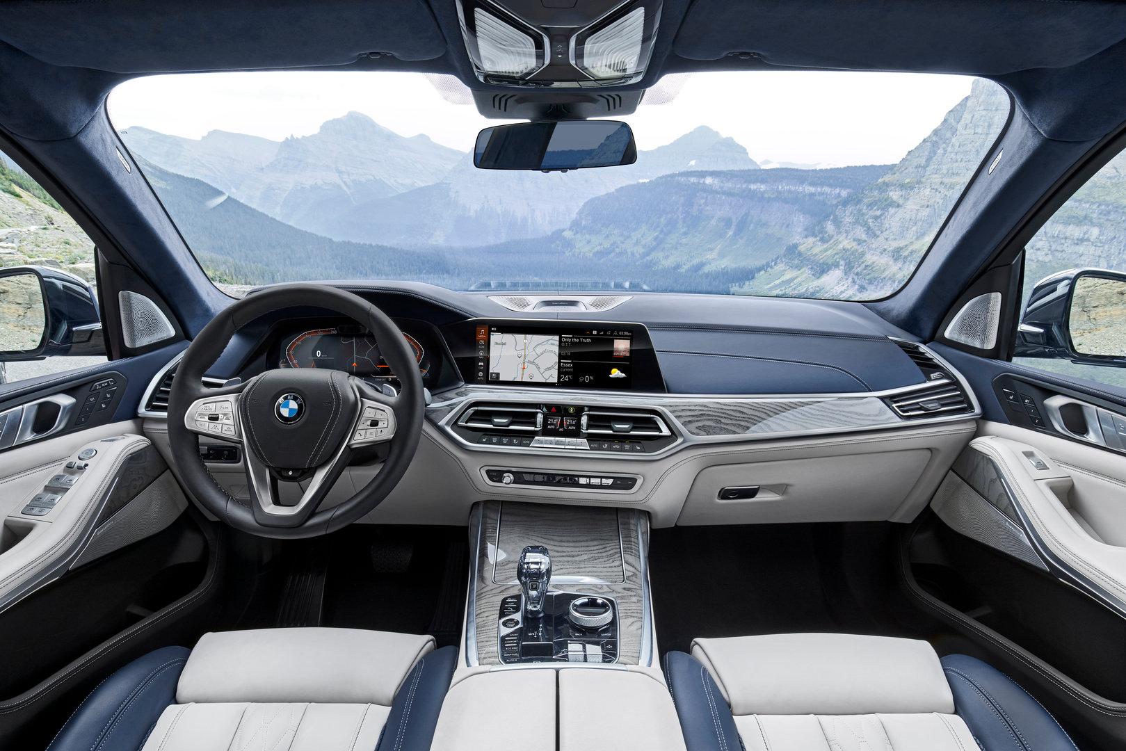 BMW X7 – Cockpit