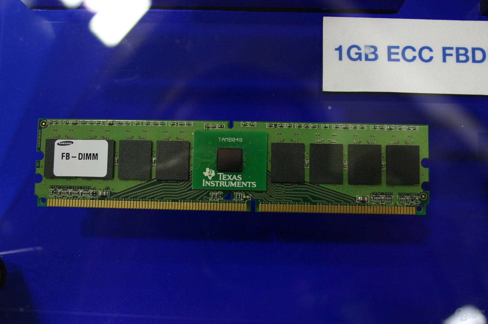 FB-DIMM mit AMB (Advanced Memory Buffer)-Chip von Texas Instruments