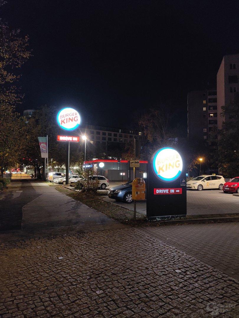 OnePlus 6T (f/1.7, ISO 800, 1/17s)