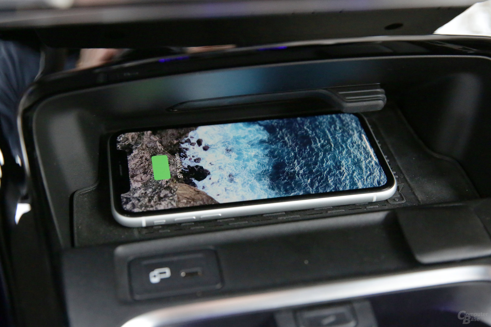 Kabelloses Aufladen von Smartphones
