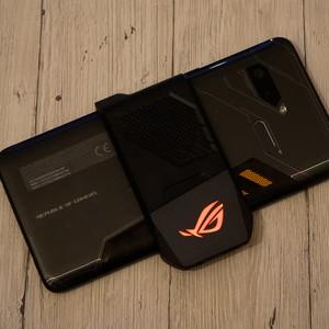 Asus ROG Phone im Test: Das bringt Smartphone-Gaming mit OC und Lüfter